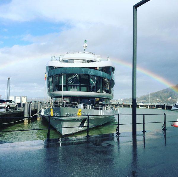 Wenn ein Regenbogen 🌈 die Sonnenkönigin küsst 💋 #mssonnenkönigin #rainbow #sonnenkönigin #Bodensee