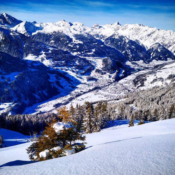 Great conditions in Montafon. . . #hochjochwedler #skischule #skischuleschruns #visitvorarlberg #visitaustria #mountains #mountainpic ...
