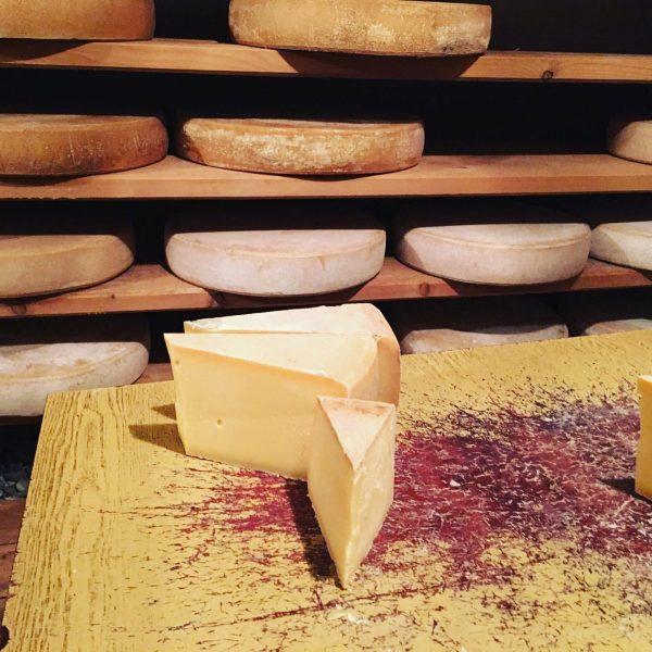 geschmackssozialisation: käse aus vorarlberg! und selchfleisch. geprägt vom käseladen in schwarzenberg. hier bei ...