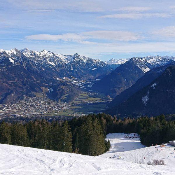 Mal wieder Ski fahren mit Aussicht im Stammgebiet #brandnertal @brandnertal_tourismus @brandnertalbergbahnen #brand #bürserberg ...
