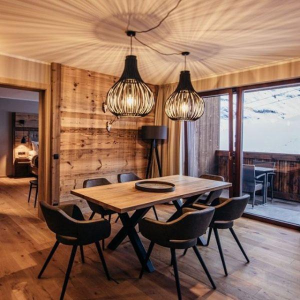 Moderne Apartments direkt an der Piste, vollausgestattet mit Küche. Ein Spa mit beheiztem ...