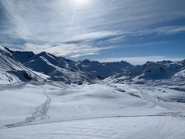 WONDERful. #skiing #skiarlberg #sunnyday #snow #enjoymountains #holiday #visitvorarlberg #visitaustria #schneegarant #warthschröcken #lech #zug ...