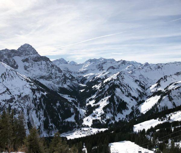 Ein wunderschöner Skitag am Walmendingerhorn in Mittelberg mit Blick auf Baad ☀️ . ...