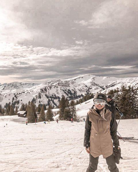 𝕊ℕ𝕆𝕎𝔻𝔸𝕐❄️ #snowboarding #snowboardgirl #outdooradventures #skisaison #snowpark #blondie #österreich #mellau #kaiserwetter #ohhappyday #qualitytime #kurztrip ...