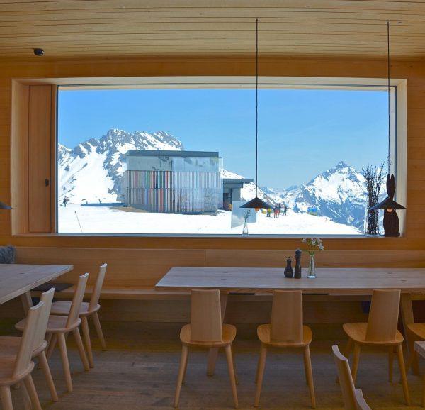 Skihütte der Wolf. Lech-Zürs, Austria 🇦🇹 * * #skiaustria #austriaskiing #alpen #österreich🇦🇹 #österreichurlaub ...