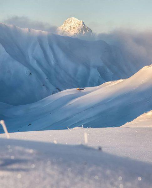 Snowy landscapes towards the Hochkünzelspitze - Can you spot the tiny hut? 📸 ...