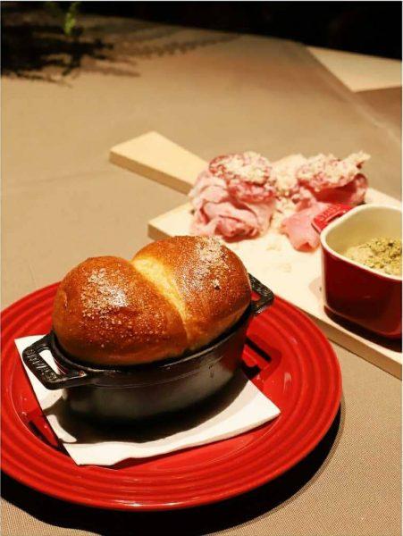 Kim Kardashian's favorite brioche and Viennese ham by @thum_schinken. . . . . ...