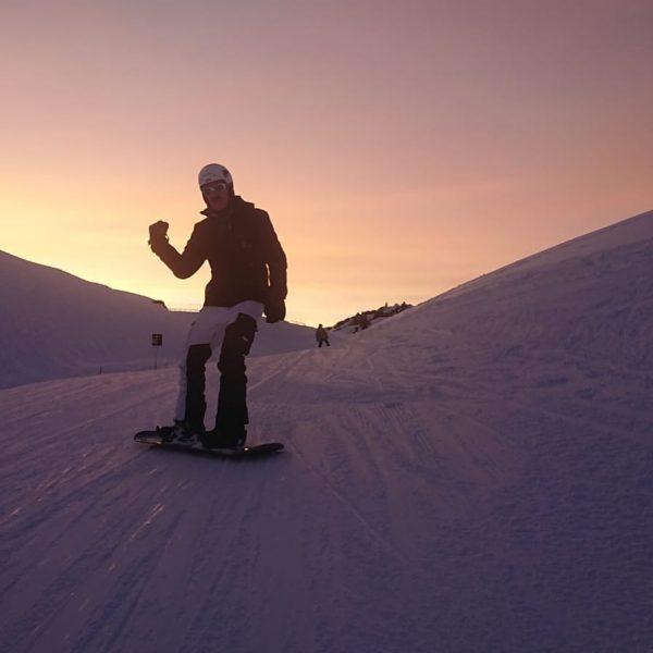 #finalrun #lech #snowboarding #sundowner #balmalp #thx #bestfriends @runmillionrun #bestime #🇦🇹❤️ #thankful #karhikatzemissing @kat__iii ...