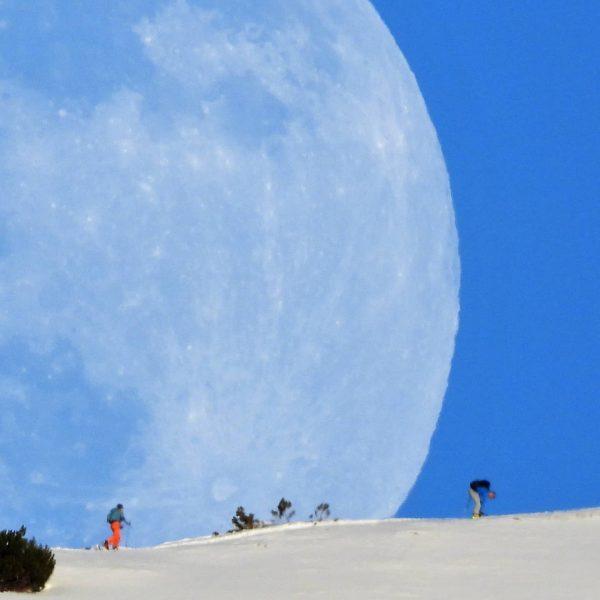 Skiën tot de #maan en terug :-) #Kleinwalsertal #Moon #Alpen #Mond #Mittelberg #nofilter