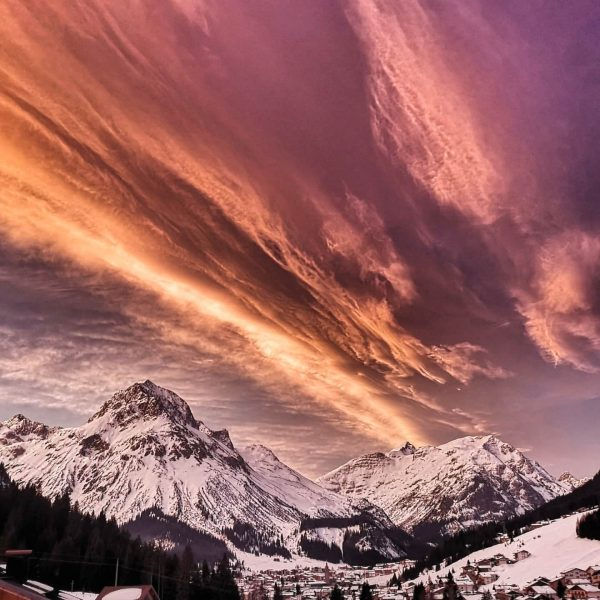#omeshorn #mylechzuers #meinvorarlberg #nature #bns_earth #visitvorarlberg #visitaustria #country_features #clouds_of_our_world #loves_mountains #loves_austria #global_creatives #feelaustria ...