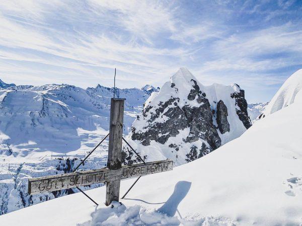 The Cross. #arlberg #lechzuers. . . #ufwäg #ufwaeg #austria #austrianroamers #austriavacations #discoveraustria #visitaustria ...
