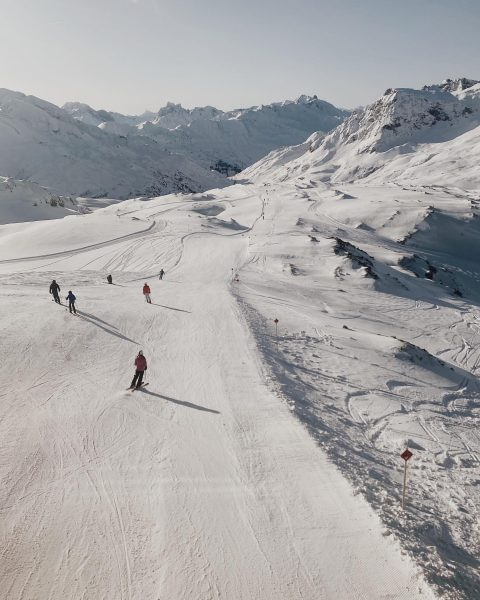 Sunday morning well spent! ⛷☀️ #ski #lech #lechzuers #austria #vorarlberg #visitvorarlberg #sun #snow ...