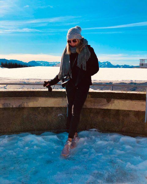 💎❄️ . . . #pfänder #Bregenz #österreich #austria #travel #mountains #blondegirl #bodensee #winter ...