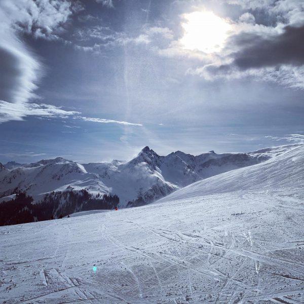 🏔⛷☀️❄️✌🏻 . . . #naturelover #vinterferie #familietid #skiferie #skiing #skifahren #montafon #vorarlberg #østrig ...
