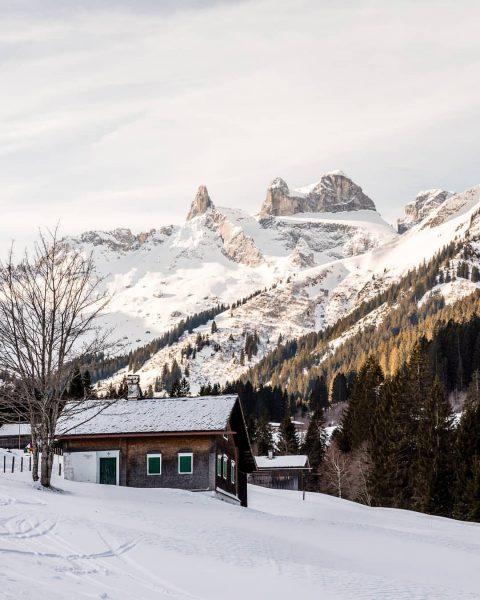 Maisäßlandschaft im Montafoner Gauertal. Schönen Sonntag allerseits! 😊 - #austria #vorarlberg #montafon #igersaustria ...