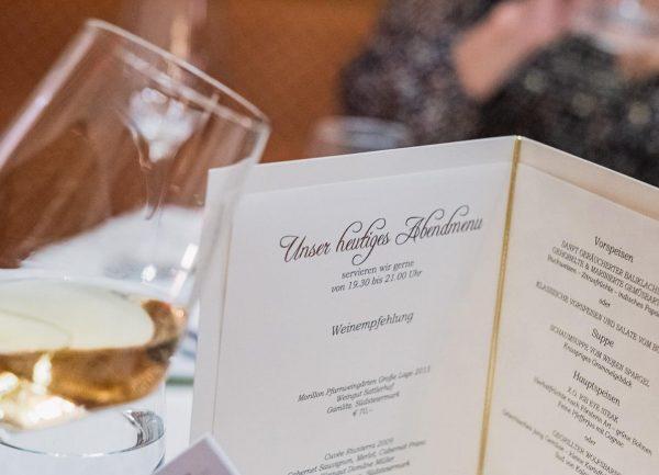 ✨ Nach der Piste kommt das kulinarische Vergnügen 🍴✨😊 ... @hotelzuerserhof - more ...