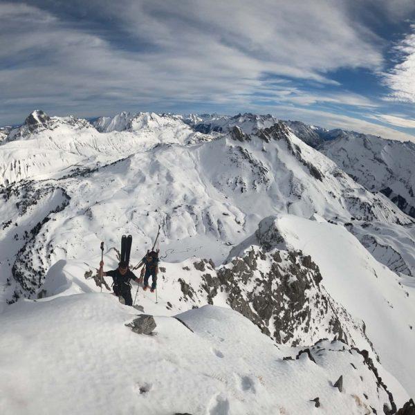 #skitour ringsum die #mohnenfluh #traumtag #bergpanorama #juppenspitze #butzensee #mohnenfluhsattel #powpow #gratwanderung #mountain #dji ...