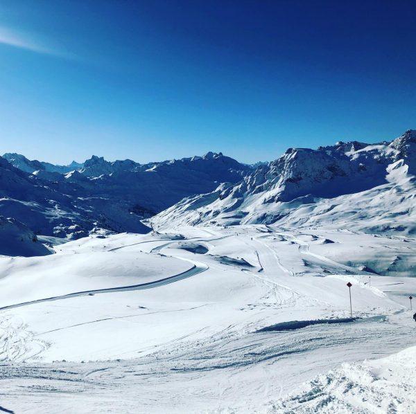 Winterskierlebnis pur! Auf dem Weißen Ring unterwegs in Lech und Zürs - Blick ...