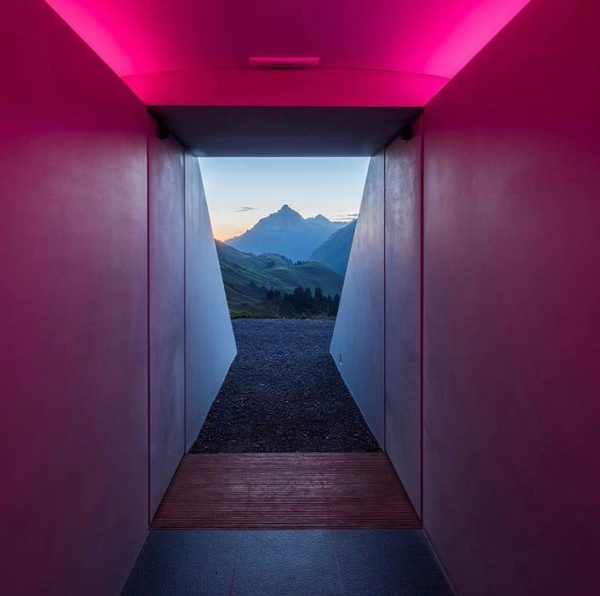 The world-famous American artist James Turrell designed a Lightroom where sky and earth ...