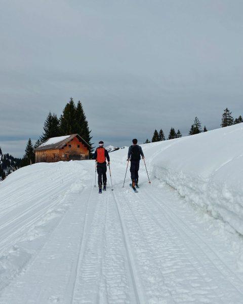 #schönenbach #skitouring #bizau #toowarmforwinter #bergfinkontour Bizau