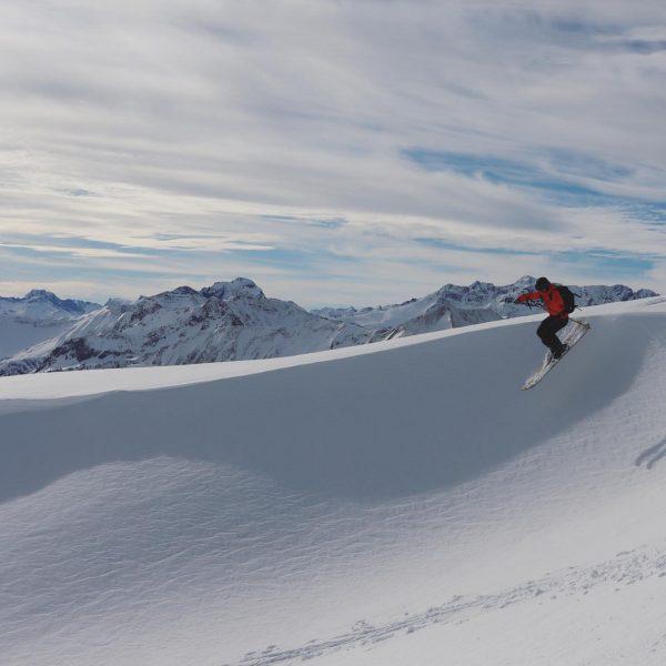 1st line 😍 #skitouring #skitour #mountains #kleinwalsertal #vorarlberg #skimountaineering #skimo #alpinism #iloveit #outdoor ...