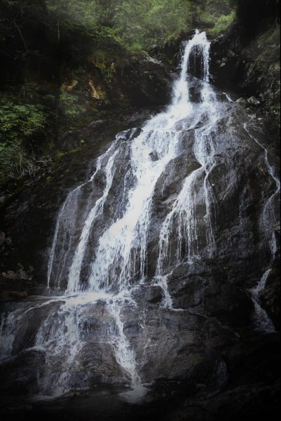 Teufelsbach Wasserfall, AT🇦🇹 #teufelsbach #wasserfall #silbertal #montafon #vorarlberg #fellimännle #hiking #austria #österreich #austrialove ...