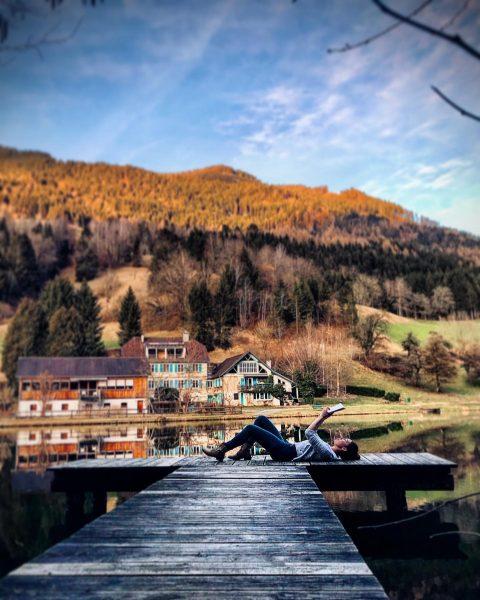 Make time for yourself 🌳📖 #ländle #auszeit #timeforme #timeforyourself #vorarlberg #schnifis #lake #heimat #fotografie #photography #naturephotography #naturelovers...