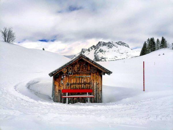 #oberlech #hütte #hüttenzauber #skiing #outdoor #lechzuers #skiarlberg #warthschröcken #winter #vorarlberg #visitvorarlberg #austria #visitaustria ...