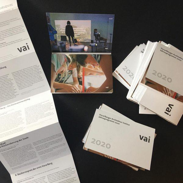 #endlich ist unser #jahresprogramm da! #druckfrisch #wunderschön und #inhaltlich #überzeugend 😍 #2020 #architektur #baukultur #vorarlberg #eswirdeingutesjahr mit...