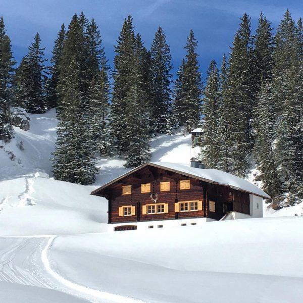 Bei Sonne mag sogar *ich* Winterurlaub 😉 #salober #körbersee #lechtal #vorarlberg #tirol Körbersee