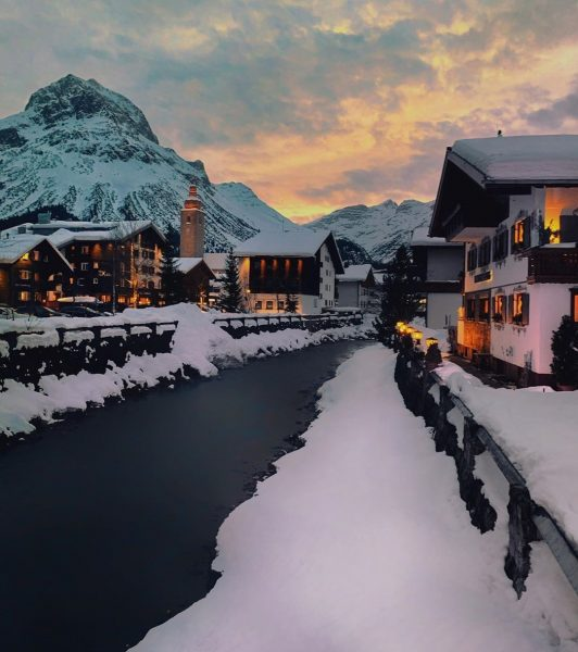 Mit dieser stimmungsvollen Aufnahme von Lech in Vorarlberg verabschieden wir uns von diesem ...