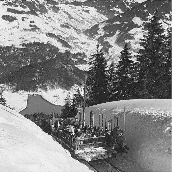 Vor 60 Jahren sah der Skitransport noch etwas anders aus. Am 19. Dezember ...