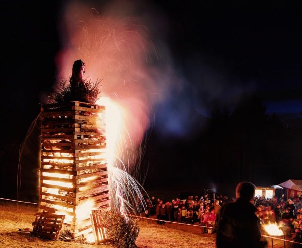This weekend, it's time for Vorarlberg's most typical  #winter custom: burning off  #funken bonfires which ...