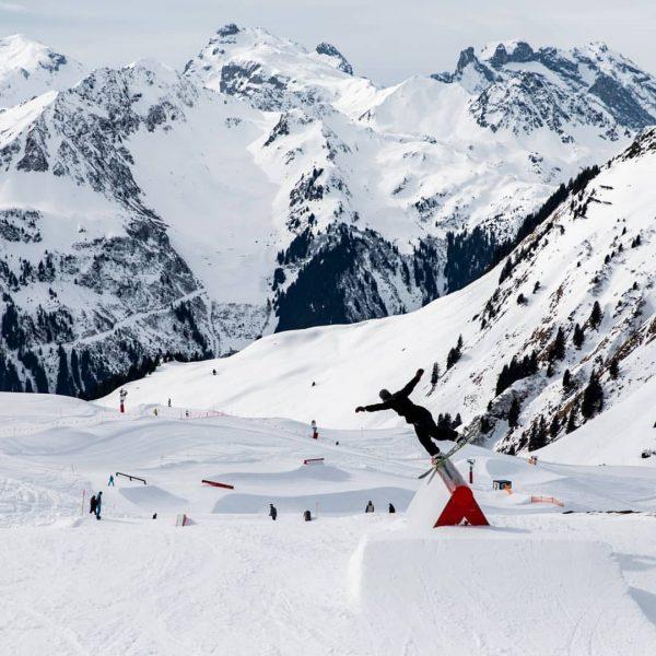 Im Snowpark Montafon kommt ihr mit ordentlich Schwung in die neue Woche! Photo: ...