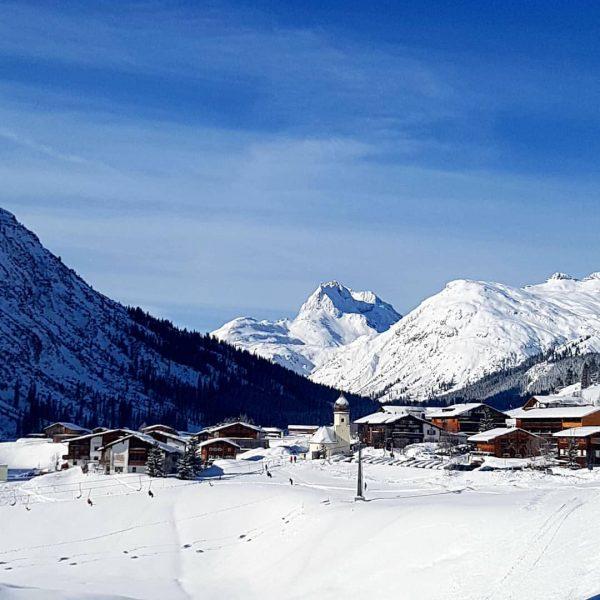 Zug am Arlberg 🌞❄😍 #zugamarlberg #lechzuers #lechzürs #vorarlberg #visitvorarlberg #winter2020