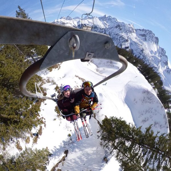 High above! 🔝 #thingsilove @goldstck #skiing #bluesky #sun #alps #snow #kleinwalsertal #insta360 Skigebiet Fellhorn / Kanzelwand