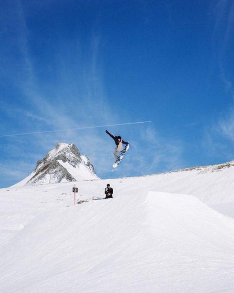 Nice day at @snowparkdamuels with @go_shred_com #snowboarding #burtonsnowboards #volcomsnow #bluebird #damüls