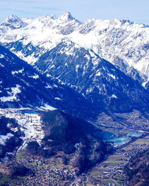 Montafon valley . . . #montafon #silvrettamontafon #austria #vorarlberg #zimba #valley #mountains #snow #winter #skiing #enjoy #home...