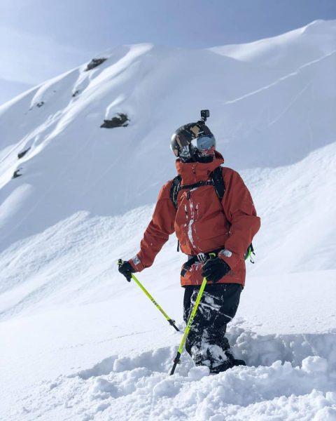 Powderdays❤️ . . . 📸@ines.dona #montafon #austria #vorarlberg #silvrettamontafon #skiing #powder #mountainlover #mountains ...