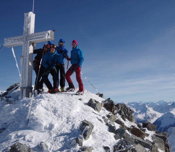#pizbuin #wiesbadenerhütte #silvrettahütte #silvrettadurchquerung #peak #skitour #skitouring #vorarlberg #alpen #mountainking #friends #scheeis #scheenstezeit