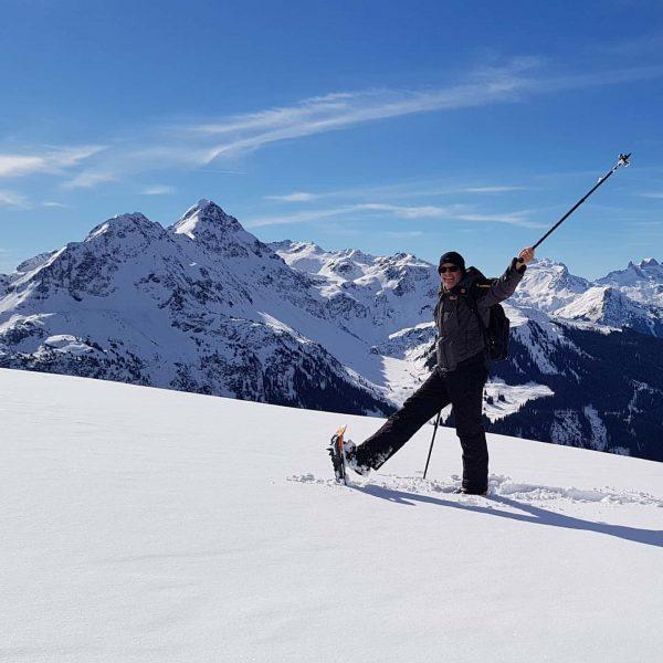 Der Berg hat mich gerufen. Ab in den Schnee u mit Schneeschuhe wandern. ...