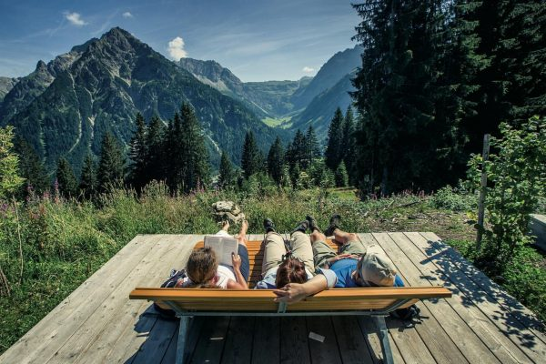 Träumen dürfen wir oder?☀️ #natur #ruhe #bergkulisse #sommer #vorfreude #glücksgefühle #zuhause ©️TVB Kleinwalsertal ...