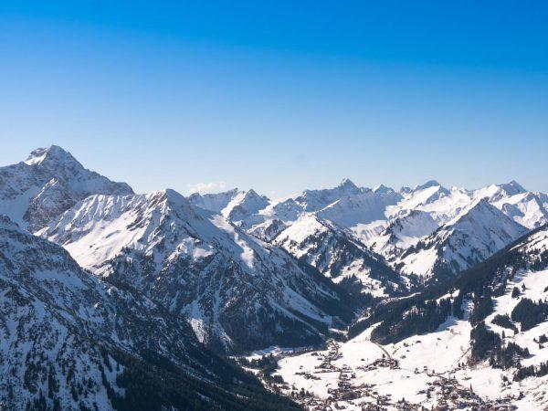 🏔☃️📸❄️🏔 #oberallgäu #allgäu #bayern #mountains #huimat #mountain #mountainadventures #beargzwerg #winter #homeiswherethemountainsare #hindelang #minghuimat ...