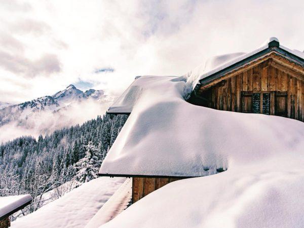 In den Bergen ist man dem Himmel ein Stück näher 🌫💫 . #golmerhaus ...