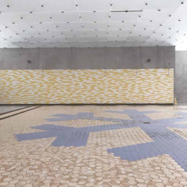 #bunnyrogers #kindkingdom #kunsthausbregenz #tiles #snowcristal #topfloor #shower Kunsthaus Bregenz