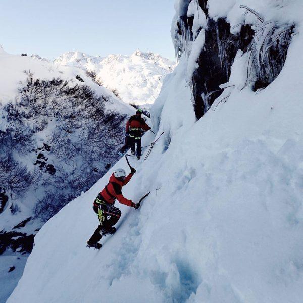 #tb -> Bergrettungsübung in der @silvretta.bielerhoehe 🚨 ▪️ #meintraumtag #myortovoxstory #ortovox #krxln #wintermitwow ...