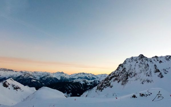 Sonnenaufgang an der Wormser Hütte auf 2.307m an unserem kleinen Ski Urlaub. Diese ...