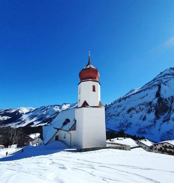 #Schneereich Damüls . . . #mountains #mountainlove #skiing #vorarlberg #bregenzerwald #visitvorarlberg #outdoor #visitbregenzerwald ...