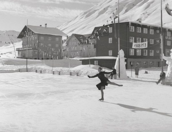 Ice skating in Zürs am Arlberg in 1939 - when was the last time you danced on...