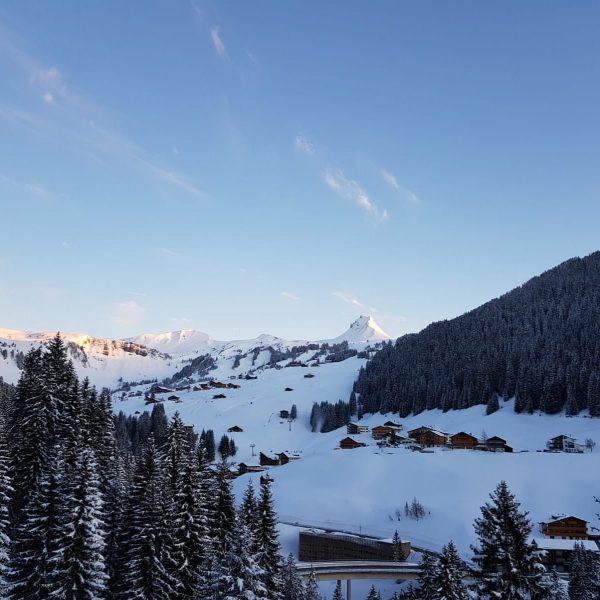 #gutenmorgen #traumhaft #damüls #Aussicht #perfektertag #skifoan #apresskinedvergessen #mountains #topofthemountains #urlaub #auszeit #auffeaufnberg #traumtag ...